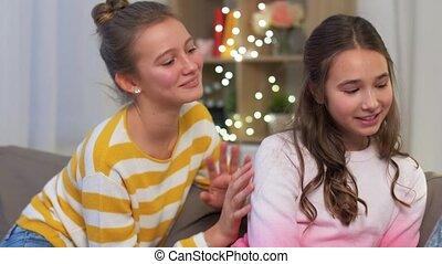 maison, ami, girl, apologizes, adolescent, elle