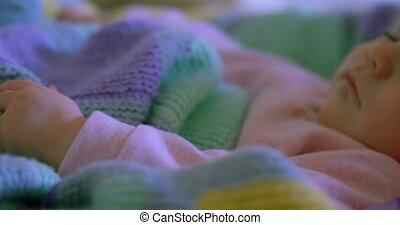 maison, confortable, bébé, mignon, délassant, caucasien, 4k, lit, gros plan