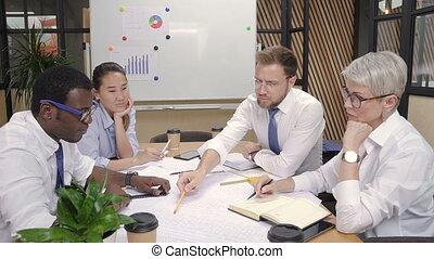 maison, constructeur, discuter, projet, meeting., ingénieur, concepteur, architecte