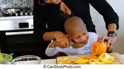 maison, couper, légumes, mère, cuisine, fils, 4k