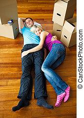 maison, couple, en mouvement, floor., dormir