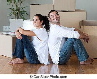 maison, couple, en mouvement, jeune