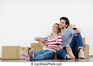 maison, couple, en mouvement, jeune, nouveau