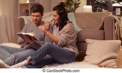 maison, couple, livre, lecture, heureux
