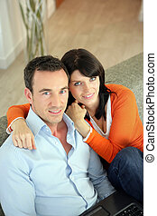 maison, couple, ordinateur portable, utilisation