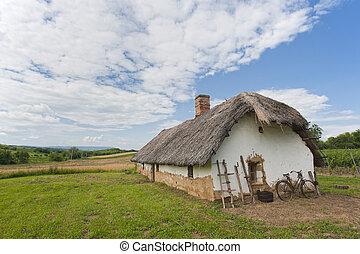maison ferme, vieille bicyclette