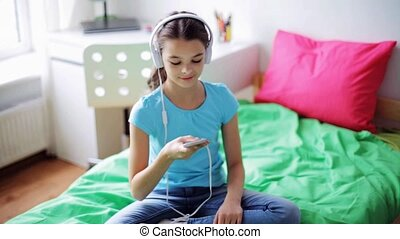 maison, girl, smartphone, heureux, écouteurs