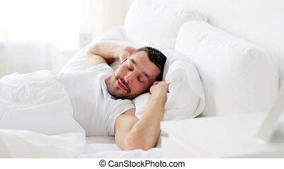maison, homme, haut, lit, réveiller