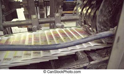 maison, journaux, machine, impression, en mouvement, ligne, automatique