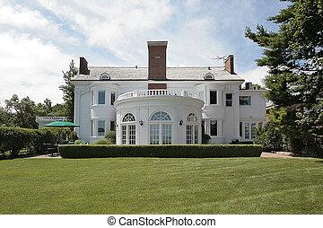 maison, luxe, vue postérieure