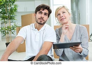 maison mobile, tablette, ligne, achat, couple