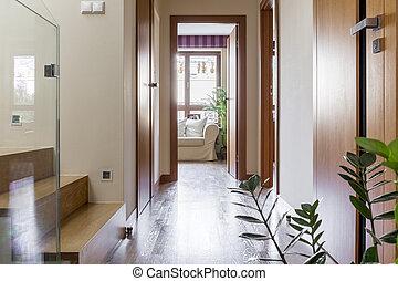 escalier couloir riche maison escalier couloir luxe photographie de stock rechercher. Black Bedroom Furniture Sets. Home Design Ideas