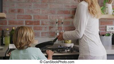 maison, nourriture, confortable, mère, cuisine, préparer, ...