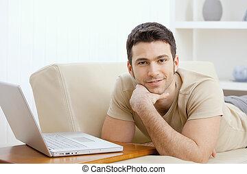 maison, ordinateur portable, homme, utilisation