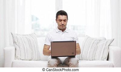 maison, ordinateur portatif, fonctionnement, homme