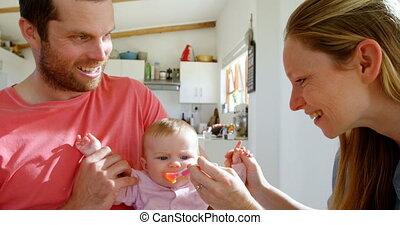 maison, parents, leur, dorlotez garçon, 4k, alimentation