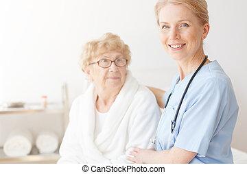 maison, personne agee, dame, infirmière