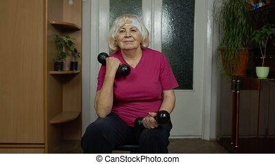 maison, personnes agées, formation, dumbbells, haltérophilie, exercisme, fitness, confection, grand-mère, femme aînée