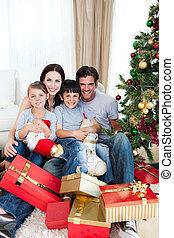 maison, portrait, noël, tenue, sourire, lotissements, présente, temps, famille