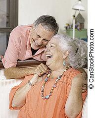 maison, sourire, couple, personne agee