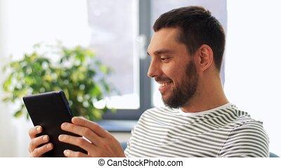 maison, sourire, pc, tablette, ordinateur homme