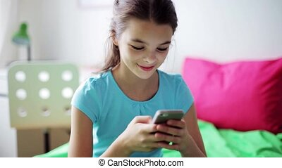 maison, sourire, smartphone, texting, girl