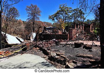 maisons, ground., après, bushfire, razed