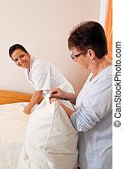 maisons, soins, personnes agées, infirmière, vieilli, soin