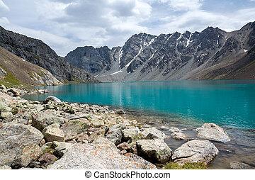 majestatyczny, jezioro, ala-kul, tien, shan, kyrgyzstan