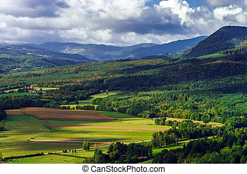 Majestic overview to the beautiful valley from the top of ...