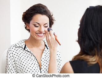 make-up, künstler, auf, machen, junger, braut, schöne