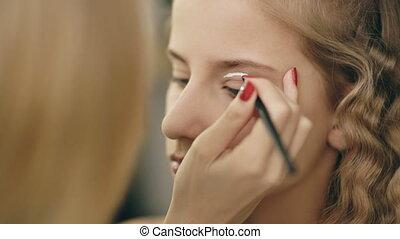 make-up, kunstenaar, maakt, jonge, actrice, meisje, mooi, makeup, voor, eyes, voor, dancing, perfomance, binnen