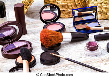Make up - Putting on make up before going out
