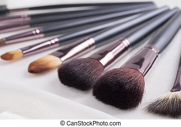 Make-up - Absolutely woman's must-have an make-up brushes...