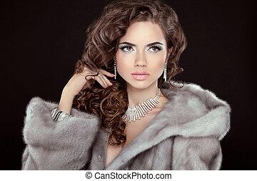 Makeup. Beautiful girl portrait. Brunette fashion woman in...