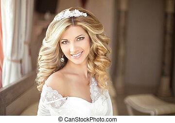 Makeup. Beautiful smiling Bride wedding Portrait with ...