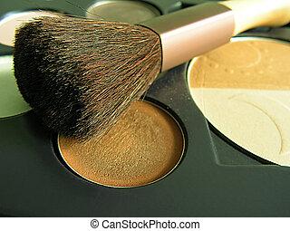 Makeup - Brush and makeup (eyeshadows and powder)