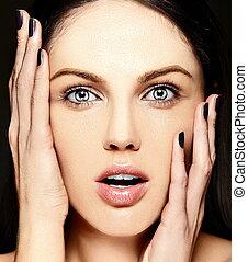 makeup, kvinde, skønhed, kaukasisk, nej, mode, glans, rense, smil, unge, closeup, smukke, portræt, overrask, look., hud, perfekt, høj, model