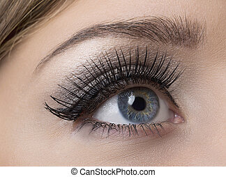 Make-up - Makeup. Make-up. Applying Mascara. Long Eyelashes