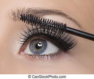 Make-up - Makeup. Make-up. Applying Mascara. Long Eyelashes