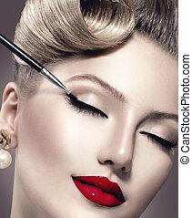 makeup., vindima, estilo, maquiagem, aplicando, closeup., eyeliner