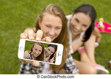 Making a selfie