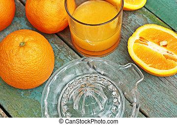 Making fresh orange juice