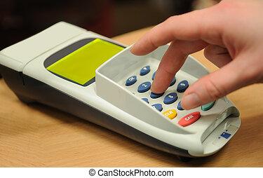 Making payment using credit plasti? card reader