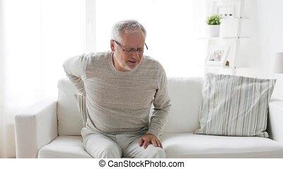mal di schiena, infelice, sofferenza, casa, uomo senior