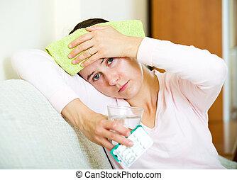 mal tête, femme, avoir, problèmes, fatigué