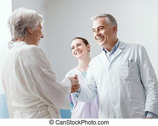 malade infirmière, docteur hôpital, réunion, personne agee
