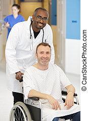 malade infirmière, fauteuil roulant, pousser, hôpital