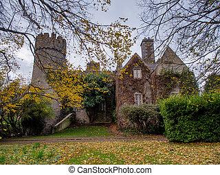 malahide, castillo, en, irlanda