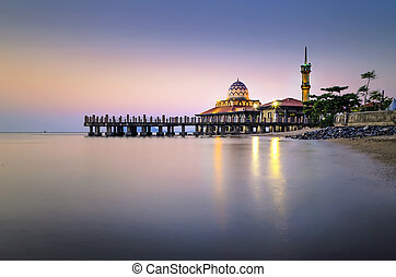 Malaysian Mosque with Water Reflection - Malaysian mosque...